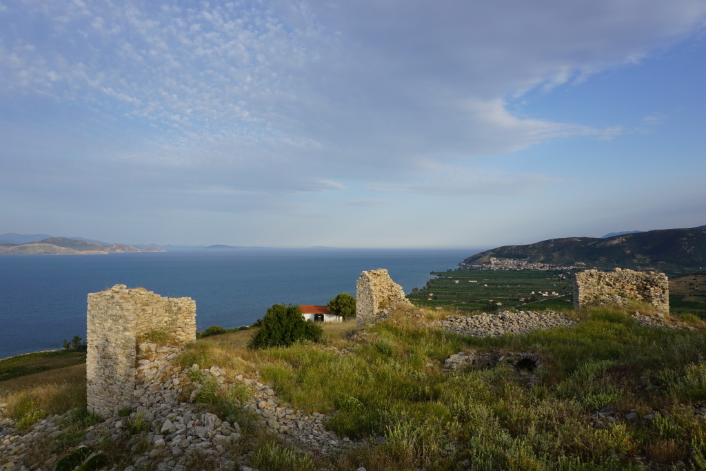The castle, with Kiveri in the background