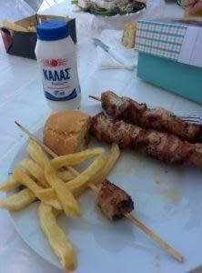 souvlaki_salt_bread_fries